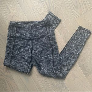 High-waisted leggings with 2 side pockets
